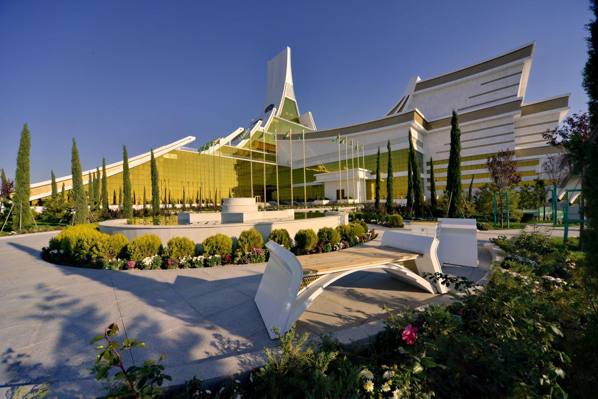 awaza_convention_center_-_turkmenistan